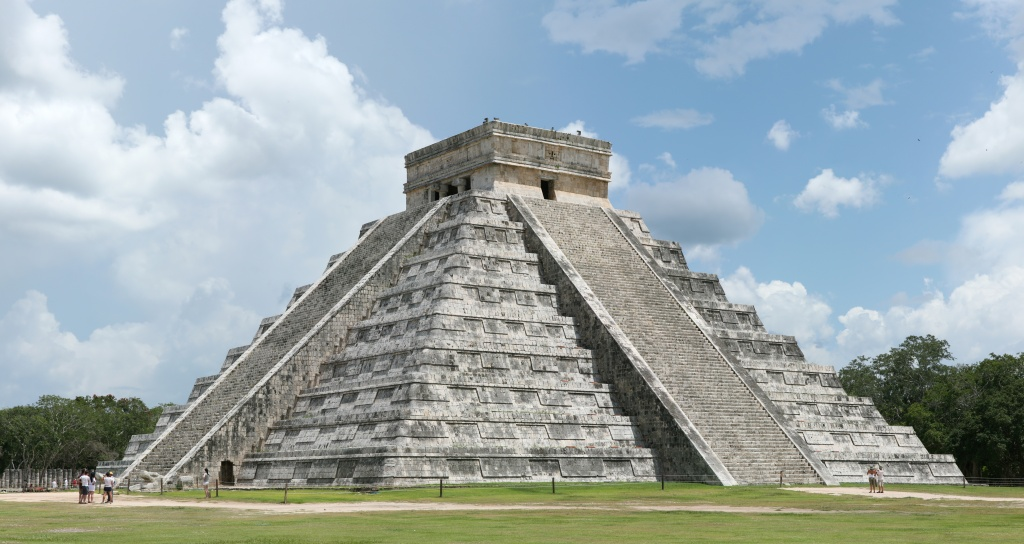 2011 INTO 2012 - THE 1ST DAY of THE NATIVE NEW YEAR Chichen_itza_3