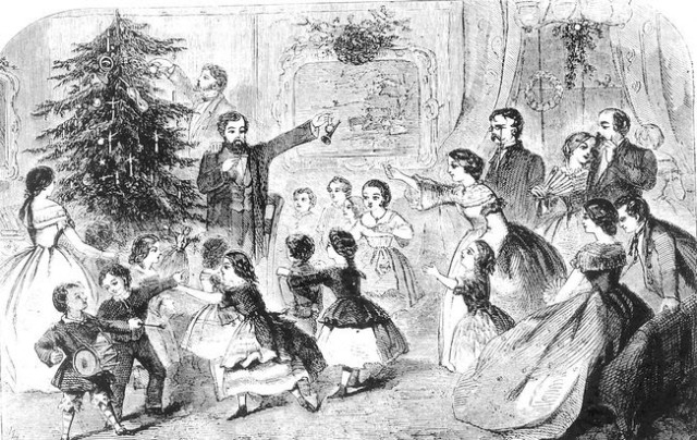 Juletræ and sing Christmas carols