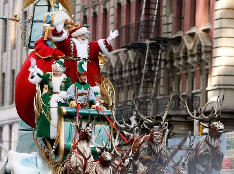 Macy's Thanksgiving Day Parade Santa