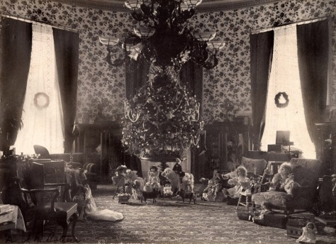 the-cleveland-family-white-house-tree